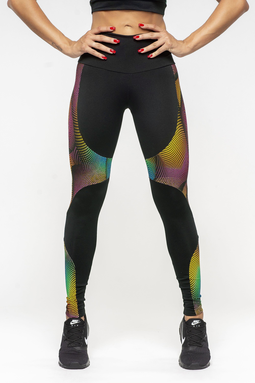 15b3ef2399b Calça Legging Feminina com recortes Dyefit